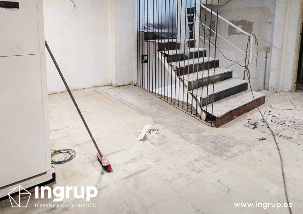 0001 ingrup estudi obra y construccion diseno reforma granollers barcelona preparacion suelo para aplicacion de microcemento