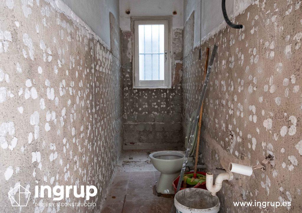 0003 reforma integral vivienda ingrup estudi diseno construccion granollers barcelona obra reforma completa de baño repicado paredes pavimento