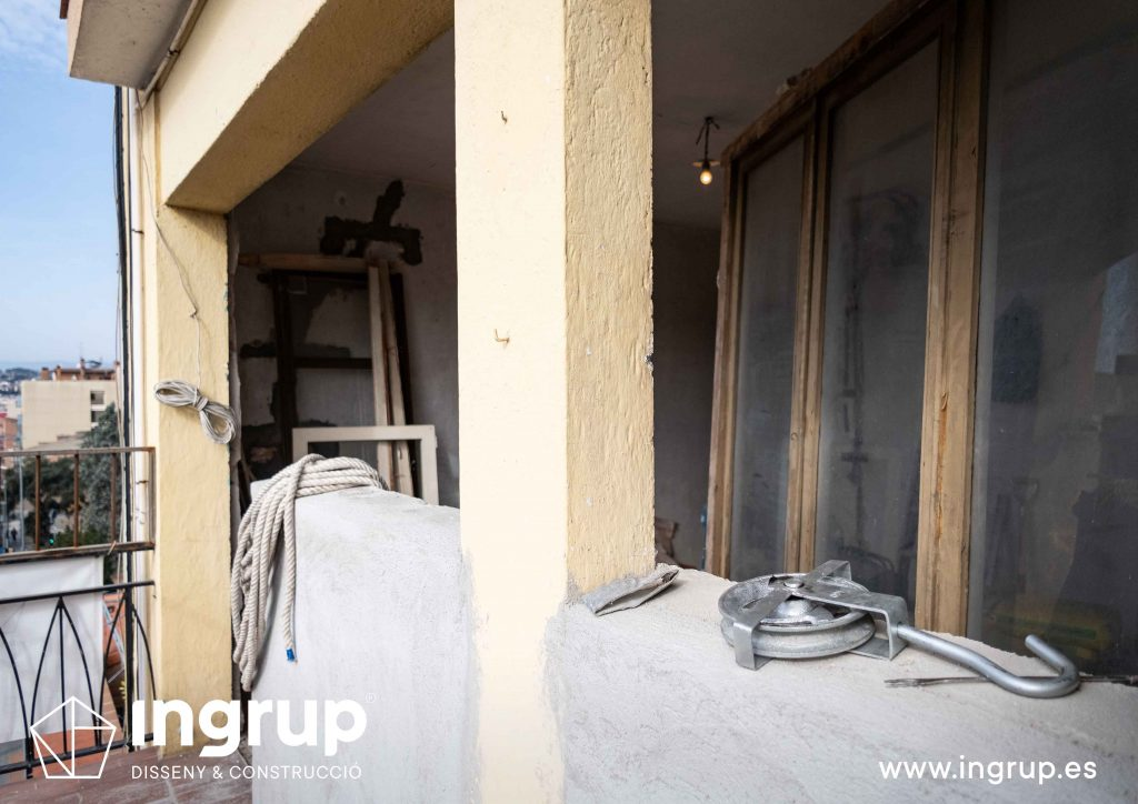 0004 reforma integral vivienda ingrup estudi diseno construccion granollers barcelona obra reforma nueva apertura exterior balcon cerramiento aluminio