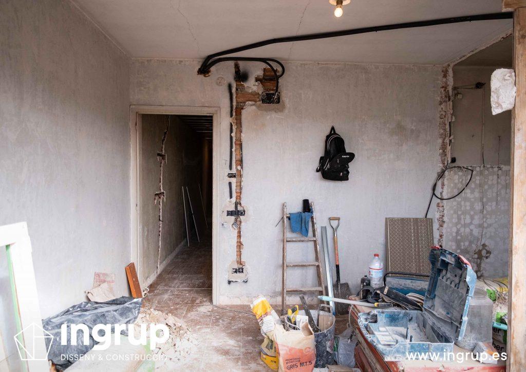 0005 reforma integral vivienda ingrup estudi diseno construccion granollers barcelona obra reforma derribo de paredes espacio diafano instalacion electrica
