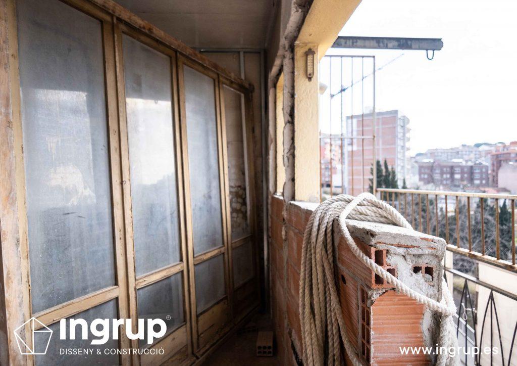 0006 reforma integral vivienda ingrup estudi diseno construccion granollers barcelona obra reforma sustitución ventanal cerramiento aluminio exterior balcon