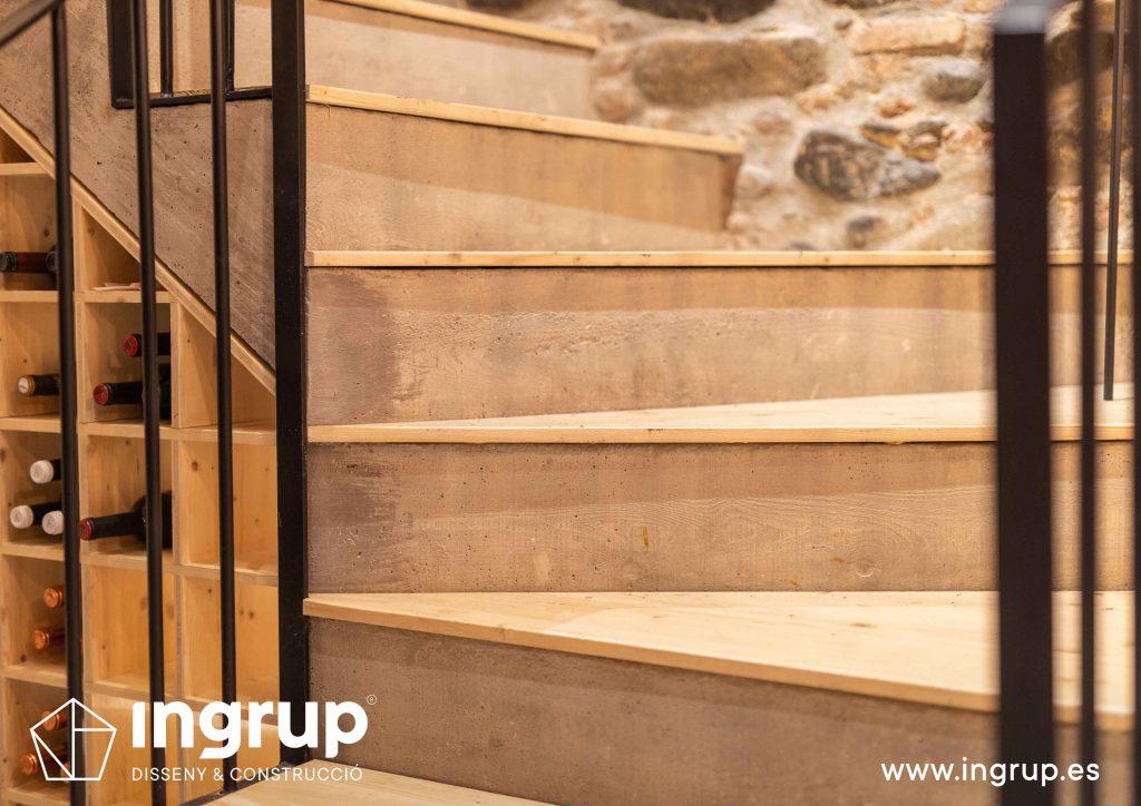 0018 la magrana restaurante ingrup estudi diseno construccion granollers barcelona obra reforma interiorismo detalle acabados escaleras cemento hormigon reforzado madera barandilla a medida hierro