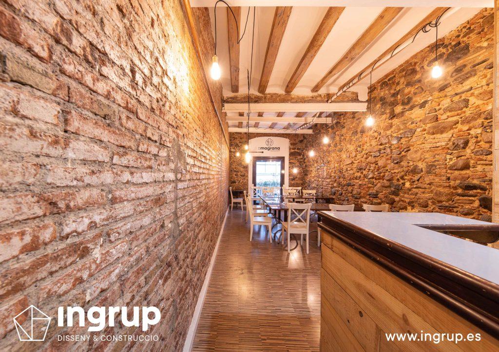 0020 la magrana restaurante cuina meditarrania ingrup estudi diseno construccion granollers barcelona obra reforma interiorismo comedor segundo piso despues paredes ladrillo
