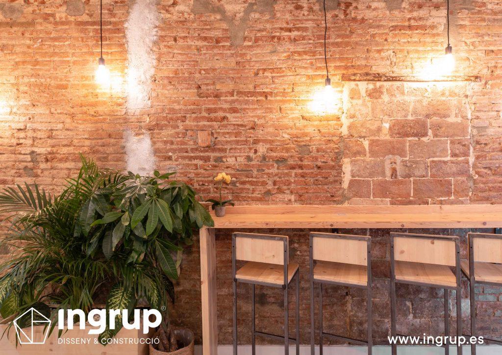 005 la magrana restaurante cuina meditarrania ingrup estudi diseno construccion granollers barcelona obra reforma interiorismo zona barra tapas iluminacion decoracion pared ladrillo
