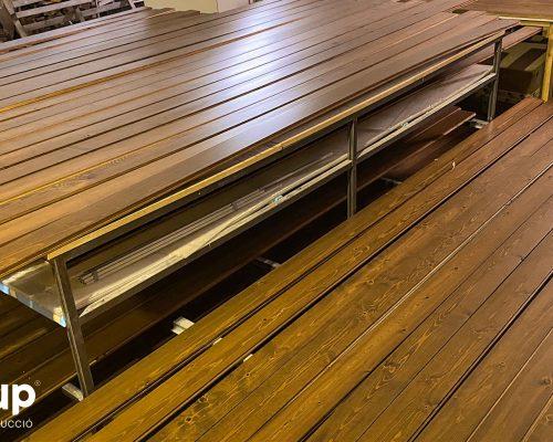 02 barnizado y tinte pavimento madera maciza local comercial barberia ingrup estudi diseno construccion retail fabricacion granollers barcelona
