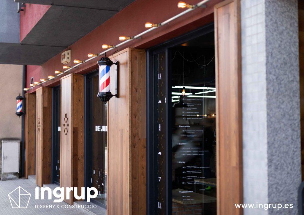 02 proyecto integral llaves en mano ingrup estudi diseno construccion obra reforma detalle revestimiento fachada madera rotulacion corporeas