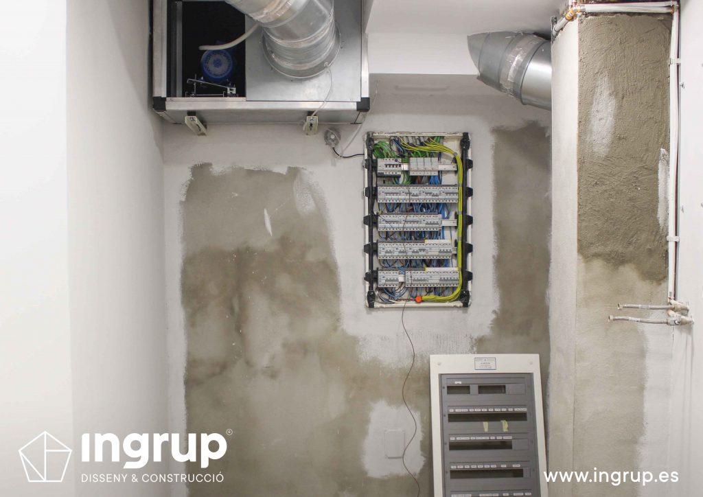 instalaciones-electricas-luz-lampisteria-ingrup-estudio-diseno-construccion-retail-granollers-barcelona