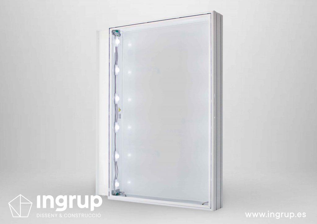 cajones-luminosos-fabricacion-a-medida-rotulos-led-ingrup-estudio-diseno-retail-construccion-granollers-barcelona