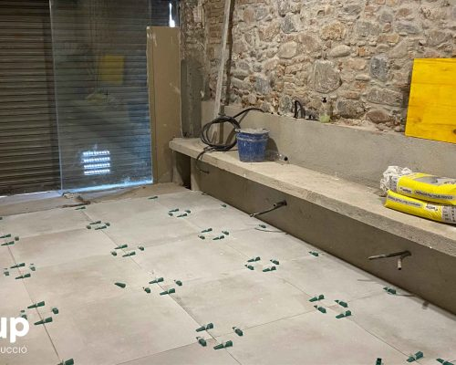 03 la magrana restaurant obra reforma construccion ingrup estudi colocacion pavimento gres