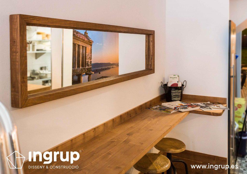 05 ingrup estudi obra y construccion diseno reforma granollers barcelona gastrobar encontros detalle espejo madera
