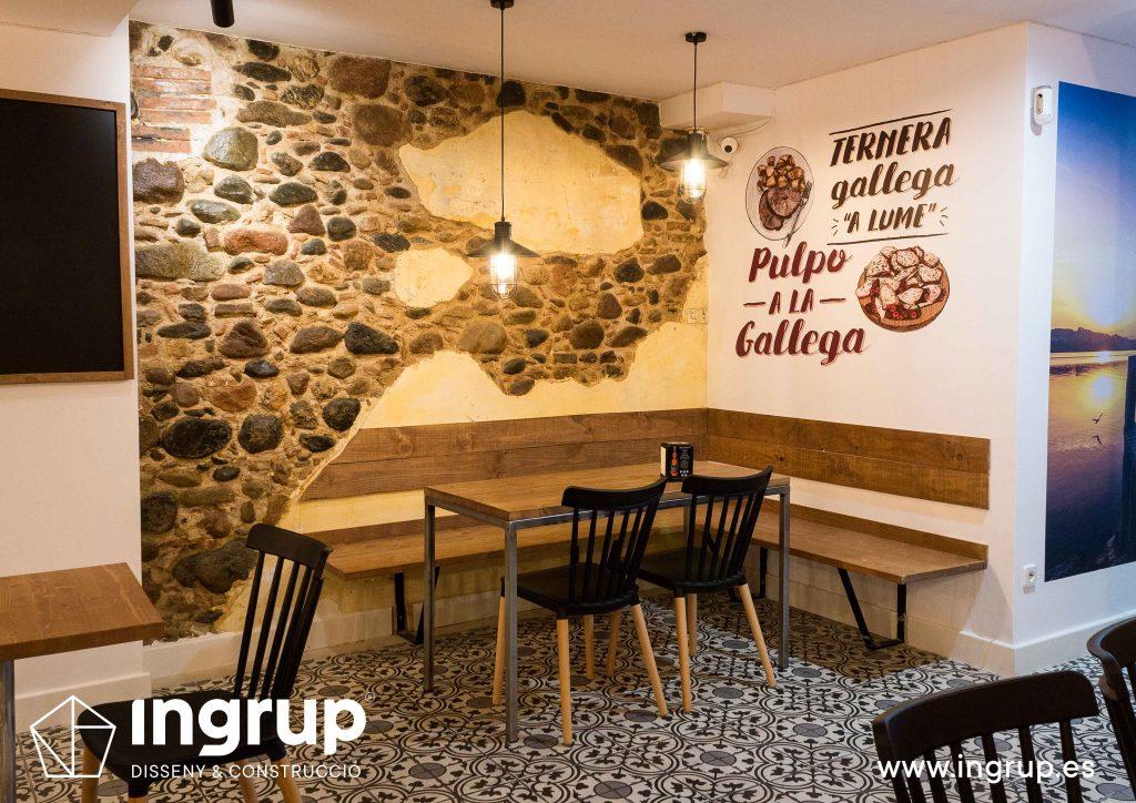 09 ingrup estudi obra y construccion diseno reforma granollers barcelona gastrobar encontros detalle rincon con banco de madera