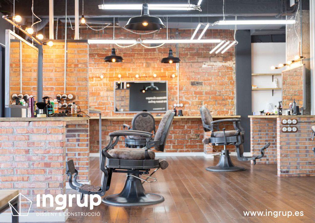 09 proyecto integral llaves en mano ingrup estudi diseno construccion obra reforma barberia interiorismo 3d zona de trabajo mobiliario iluminacion