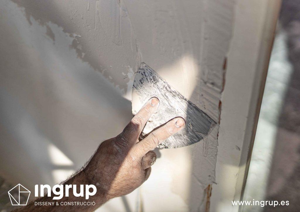 10 obra reforma piso vivienda ingrup estudi diseno construccion operario alisado paredes pladur detalle