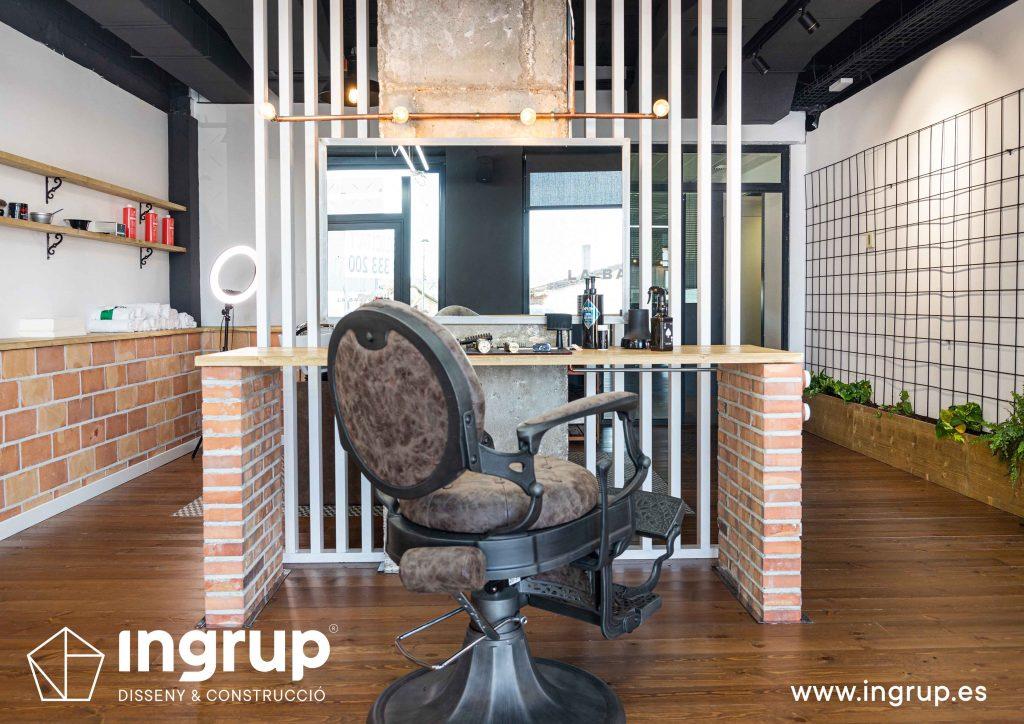 10 proyecto integral llaves en mano ingrup estudi diseno construccion obra reforma barberia interiorismo espacio de trabajo sillon espejo