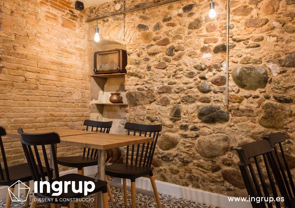 11 ingrup estudi obra y construccion diseno reforma granollers barcelona gastrobar encontros detalle alacena antigual con interiorsimo nuevo iluminacion a medida