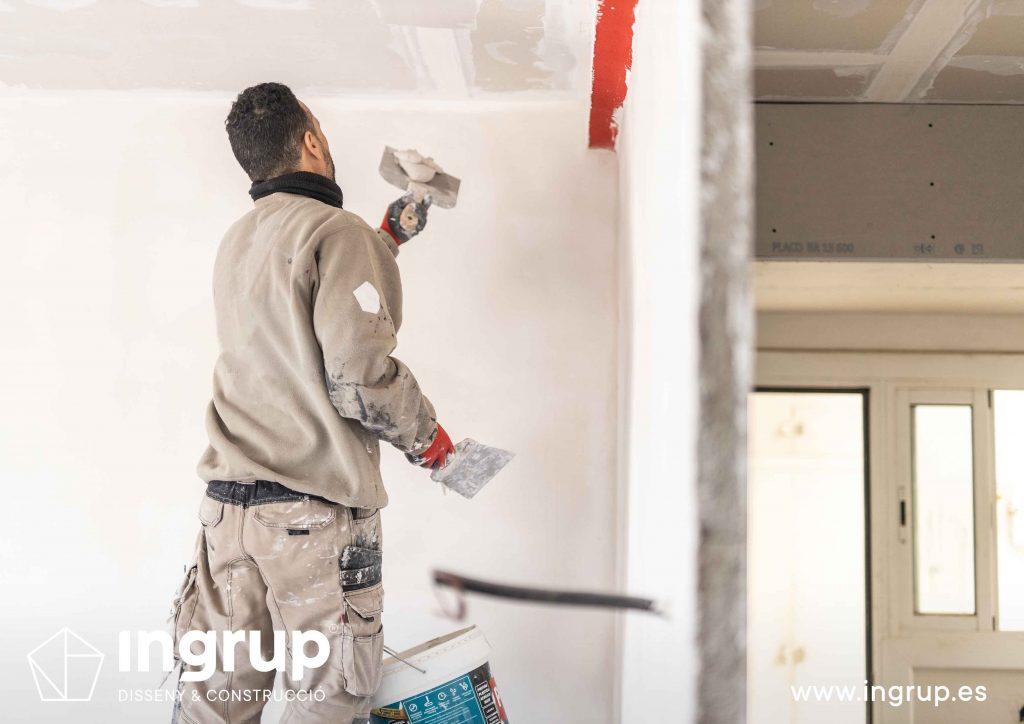 11 obra reforma piso vivienda ingrup estudi diseno construccion operario alisado techo continuo pladur