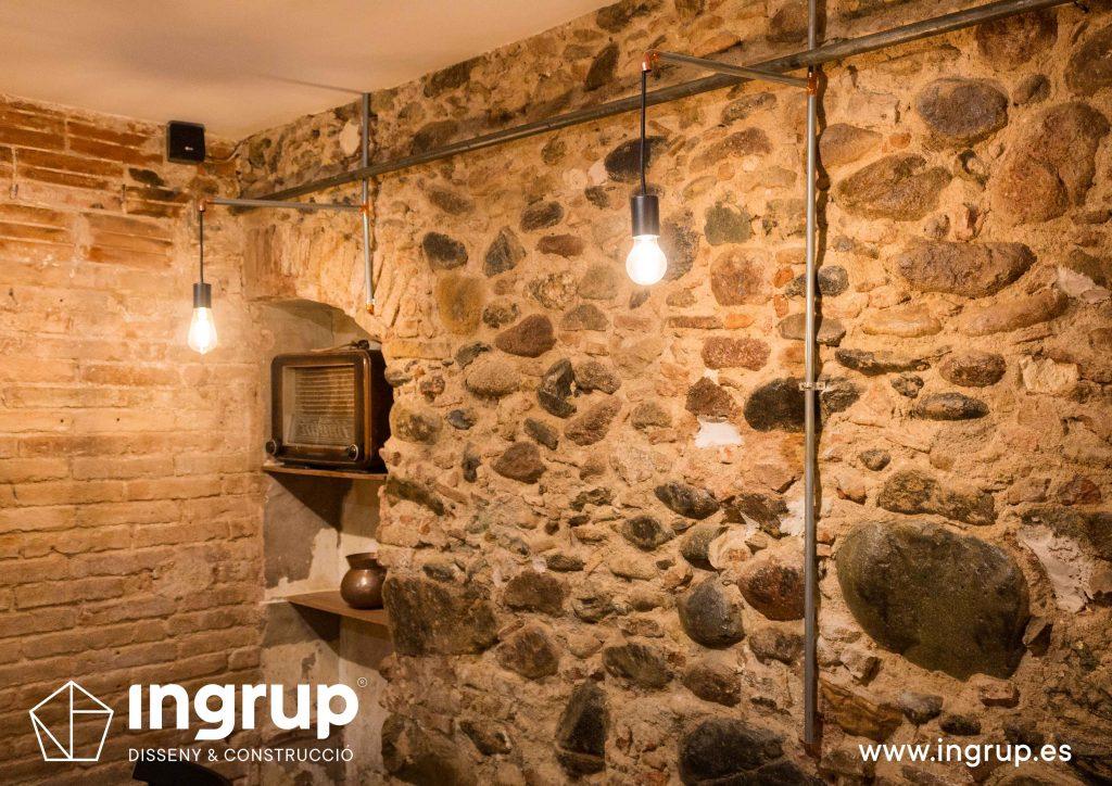 15 ingrup estudi obra y construccion diseno reforma granollers barcelona gastrobar encontros detalle alacena antigual con interiorsimo nuevo iluminacion a medida detalle