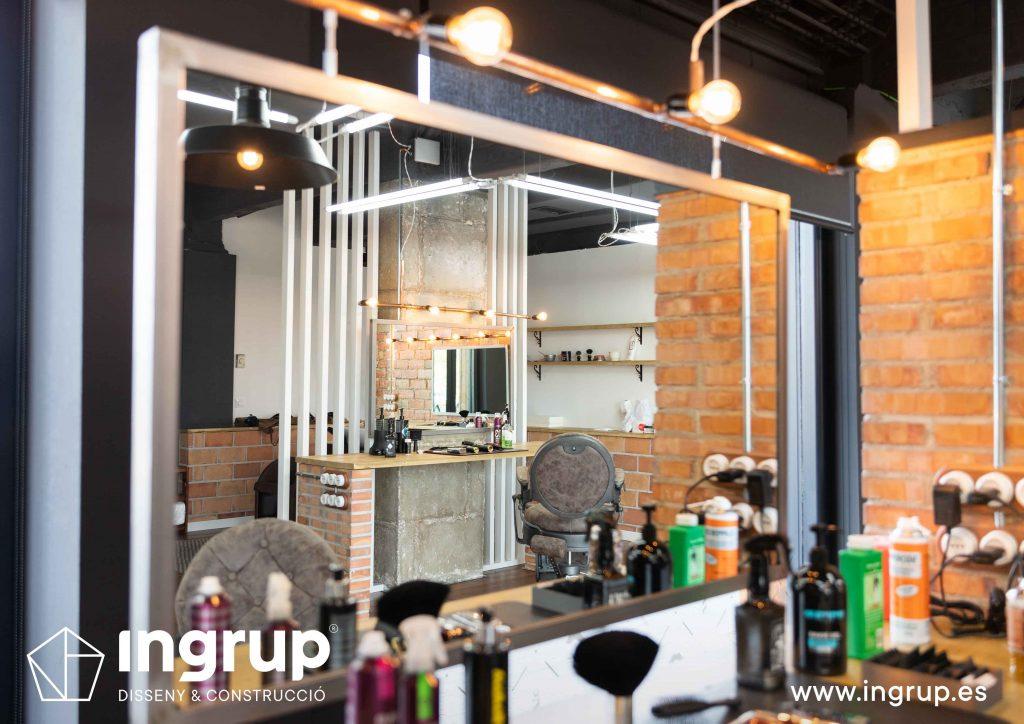 15 proyecto integral llaves en mano ingrup estudi diseno construccion obra reforma barberia detalle espejo acabados