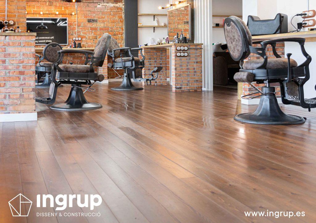 colocacion pavimento madera maciza ingrup estudi construccion granollers barcelona