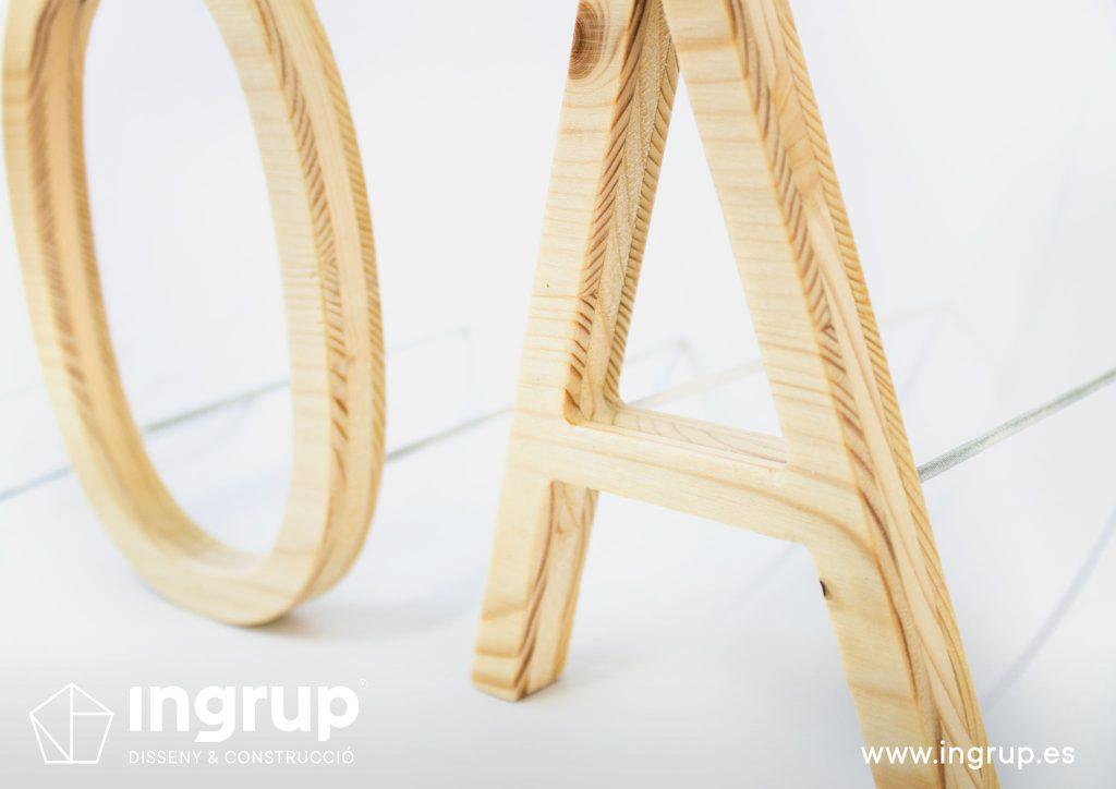 letras corporeas madera diseno fabricacion instalacion rotulacion ingrup estudio diseno construccion retail granollers barcelona