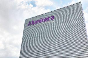 00 portada aluminera rotulo letras corporeas gran formato instalacion ingrup estudi diseno retail granollers barcelona