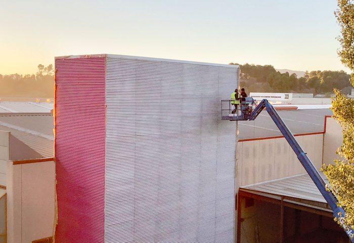 01 slider aluminera pintura industrial fachada torre nave industrial elevador operarios ingrup estudi diseno construccion retail rotulacion granollers barcelona