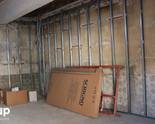 02 colocacion estructura pladur trasdosados bar jj ingrup estudi diseno construccion retail granollers barcelona