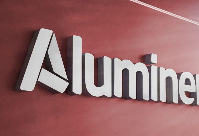02 slider aluminera letras corporeas nave industrial elevador operarios ingrup estudi diseno construccion retail rotulacion granollers barcelona
