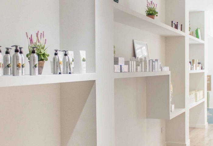 03 estanterias pladur acabados calidad a medida pintura decorativa mimat dermoestetica ingrup estudi diseno construccion retail granollers barcelona
