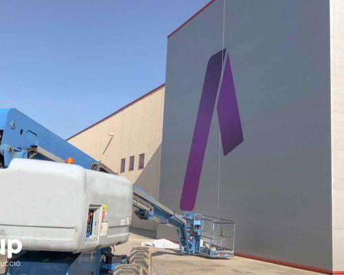 06 rotulación nave industrial aluminera torre vinilo gran formato impreso ingrup estudi diseno construccion retail granollers barcelona