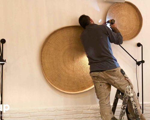 08 operario colocacion decoracion paredes ingrup estudi construccion diseno retail granollers barcelona