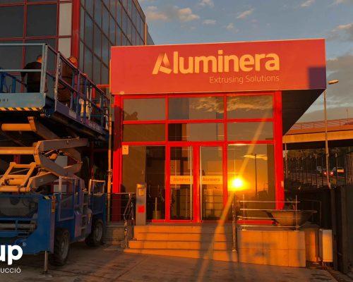 09 instalacion rotulo rotulación nave industrial aluminera gran formato aluminio vinilo impreso ingrup estudi diseno construccion retail granollers barcelona
