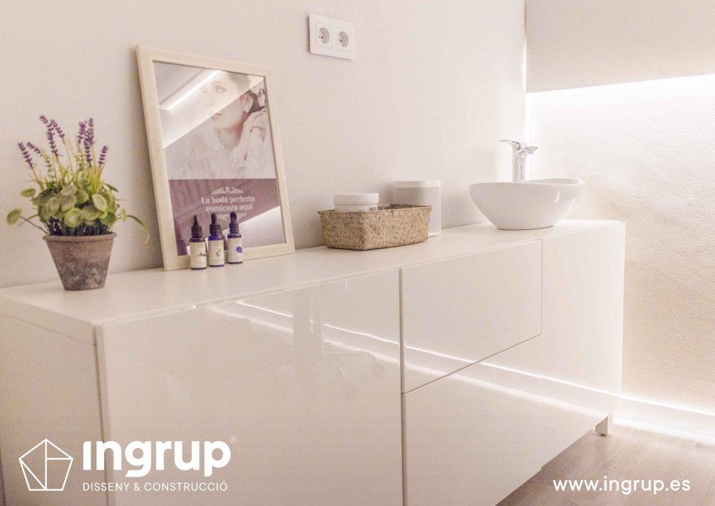 10 mobiliario interiorismo mueble mimat dermoestetica iluminacion ingrup estudi diseno construccion retail granollers barcelona
