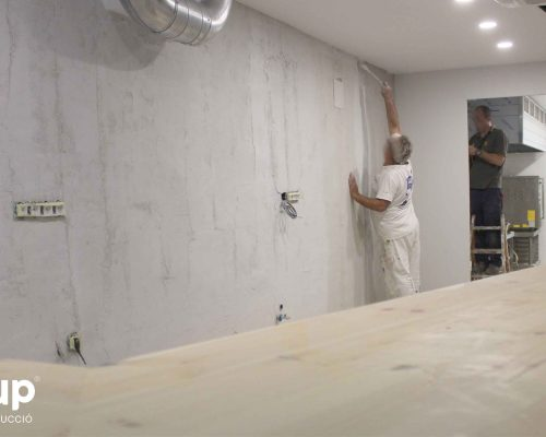 11 pintura decorativa contrabarra bar jj operario decoracion ingrup estudi diseno construccion retail granollers barcelona