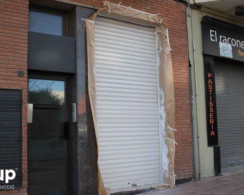 12 pintura decorativa persiana exterior ingrup estudi estudio diseno construccion retail rotulacion granollers barcelona interiorismo