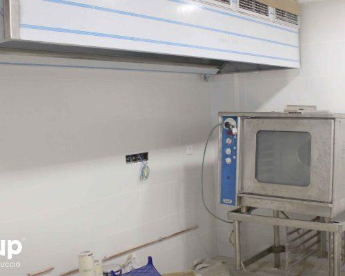 13 instalacion maquinaria industrial cocina horno campana humos ingrup estudi diseno construccion retail granollers barcelona