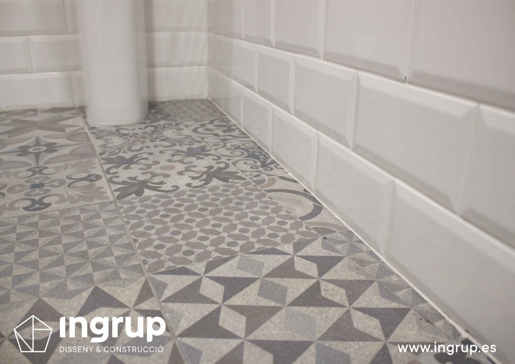15 detalle suelo pavimento gres hidraulico decoracion iluminacion mobiliario restauracion ingrup estudi diseno construccion retai granollers barcelona