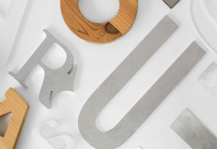 slider 02 letras corporeas madera diseno fabricacion instalacion rotulacion ingrup estudio diseno construccion retail granollers barcelona