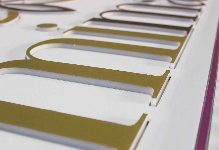 slider 03 letras corporeas madera diseno fabricacion instalacion rotulacion ingrup estudio diseno construccion retail granollers barcelona