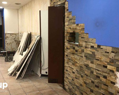 001 reforma integral local comercial derribo saneamiento paredes escombros limpieza ingrup estudio diseno construccion retail granollers barcelona