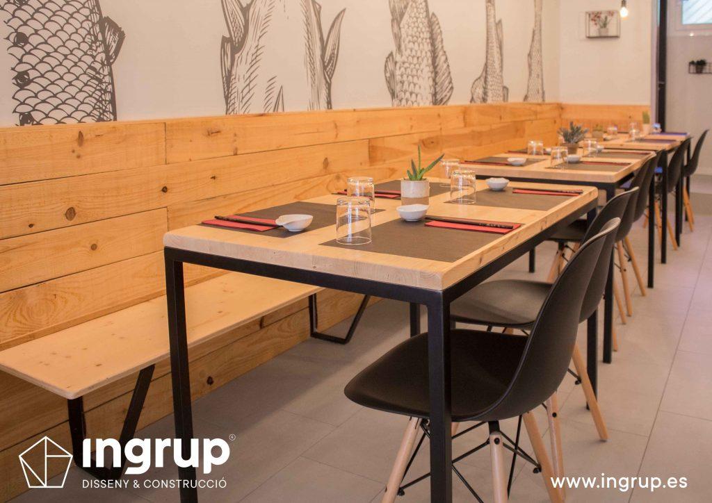 009 banco madera fabricación salon sushi reforma integral mobiliario fabricacion interiorismo ingrup estudi diseno construccion granollers barcelona