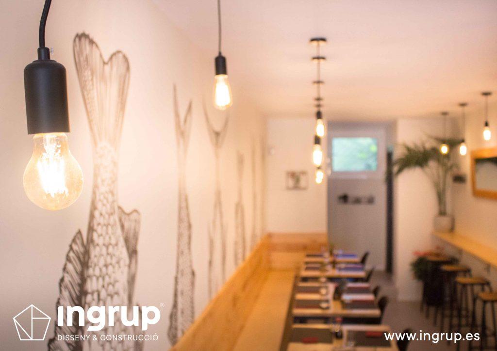 017 detalle iluminacion bombilla led decoracion salon restaurante reforma obra interiorismo ingrup estudi diseno construccion granollers barcelona