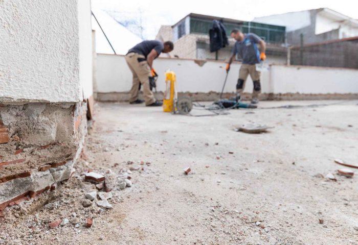 02 mantenimiento comunidad vecinos reparacion terraza pavimento grieta escructural grapas revestimiento pintura ingrup estudi diseno construccion retail granollers barcelona