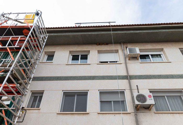 03 mantenimiento comunidad vecinos reparacion grieta escructural grapas revestimiento fachada rehabilitacion pintura ingrup estudi diseno construccion retail granollers barcelona