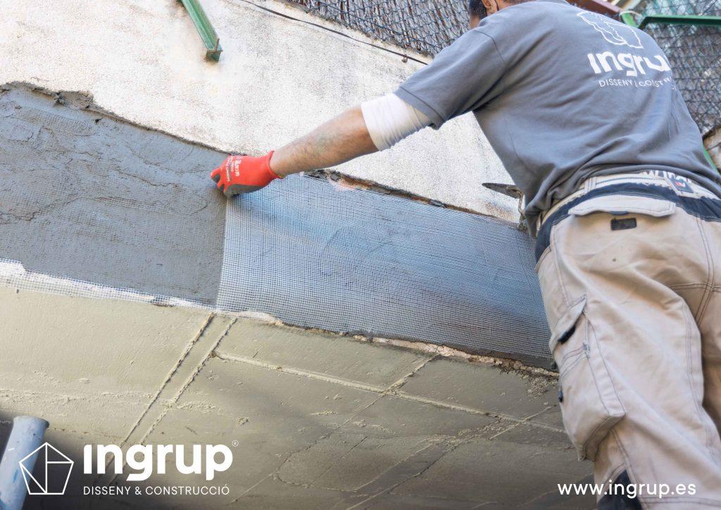 04 malla mantenimiento comunidad vecinos reparacion grieta escructural grapas revestimiento pintura ingrup estudi diseno construccion retail granollers barcelona