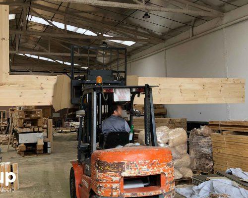 04 sobre barra madera maciza fabricacion a medida reforma integral local comercial vermuteca interiorismo 3d ingrup estudi diseno construccion retail granollers barcelona
