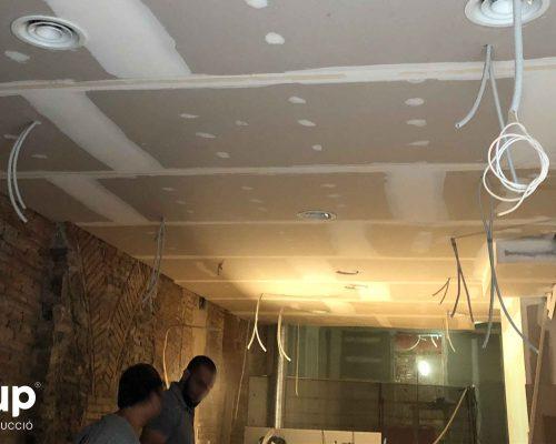 10 techo continuo pladur instalacion reforma integral local comercial vermuteca interiorismo 3d ingrup estudi diseno construccion retail granollers barcelona