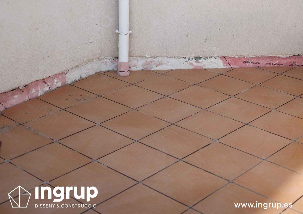 20 mantenimiento enlucido colocacion pavimento nuevo gres ceramico mortero comunidad vecinos revestimiento pintura ingrup estudi diseno construccion retail granollers barcelona