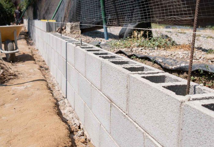 02 slider construcción muro divisor malla torsion operario vivienda particular ingrup estudio diseno construccion retail granollers barcelona