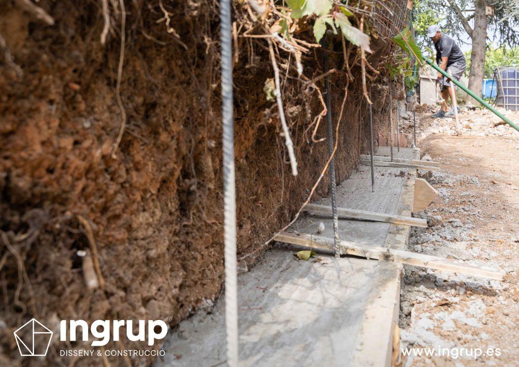 03 cimientos encofrado construccion muro divisor vivienda particular obra reforma ingrup estudio diseno retail granollers barcelona